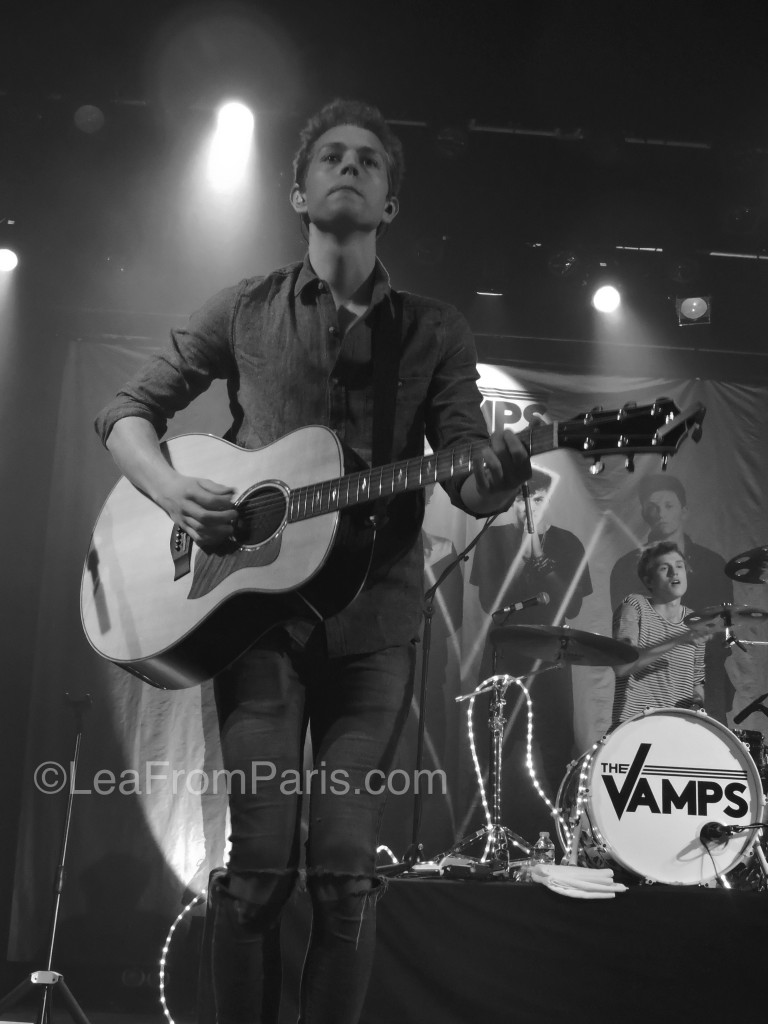 concert of the vamps by leafromparis in paris